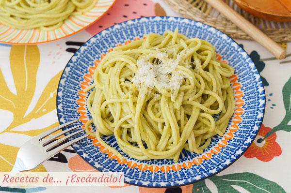 Como hacer espagueti verde con chiles poblanos, muy facil y rica