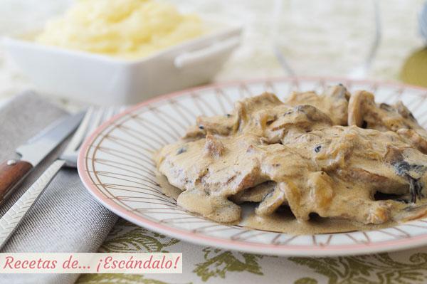 Receta de lomo de cerdo iberico en salsa de champinones, jugoso y sabroso