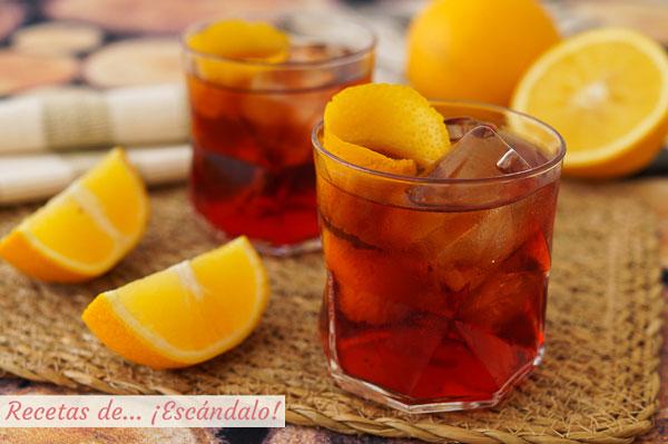 Receta e ingredientes del cocktail Negroni, un clasico italiano para el aperitivo