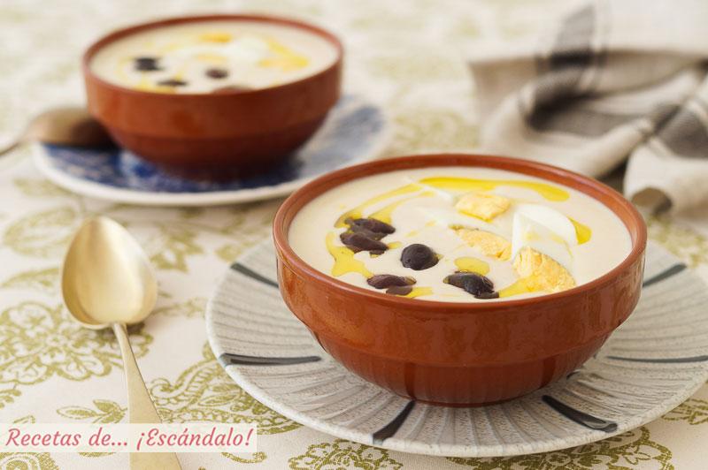 Mazamorra cordobesa, una crema fria tradicional con almendras y ajo