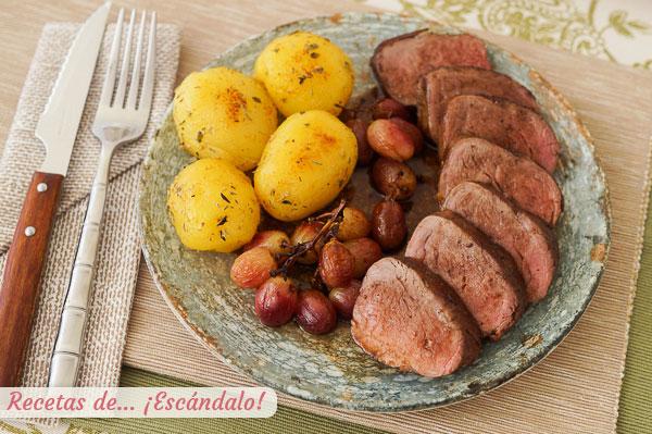 Como hacer solomillo de cerdo iberico al horno con uvas y patatas con mantequilla de hierbas