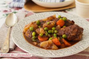 Estofado de pollo con patatas y verduras, riquisimo